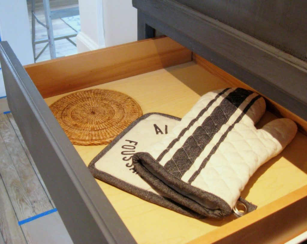oven-mitt-drawer