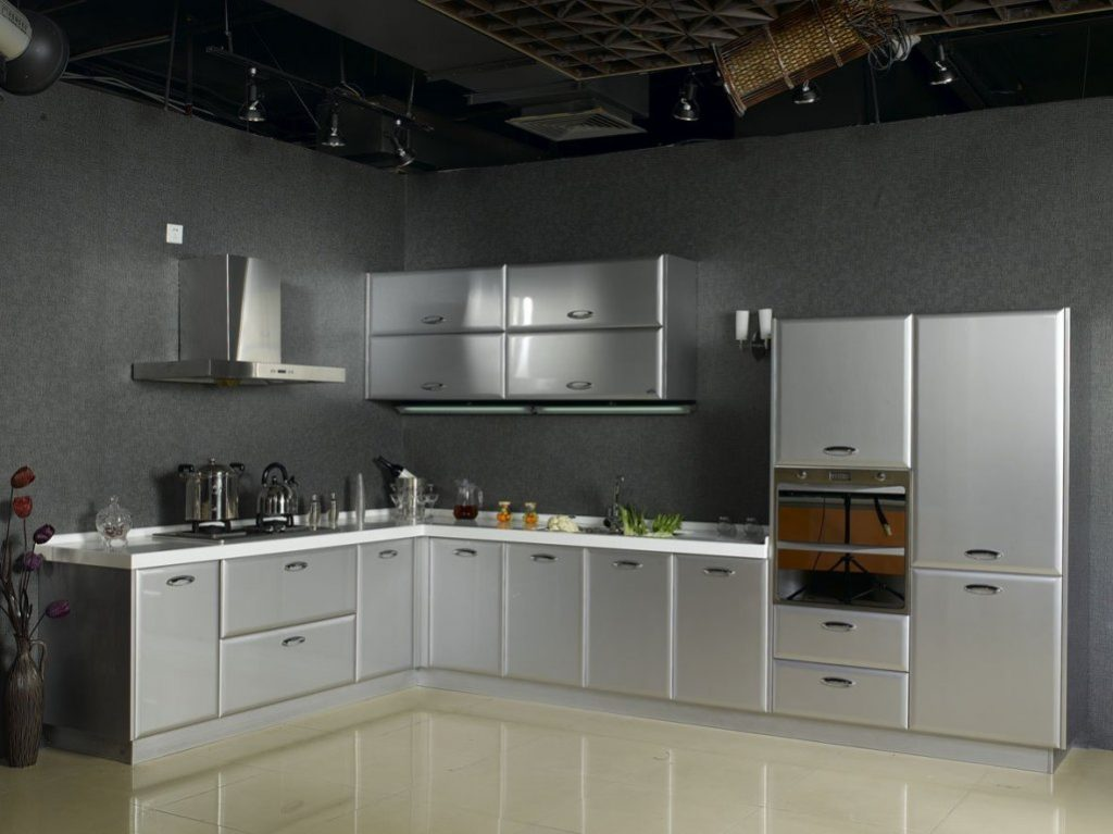 metallic-kitchen-cabinets-for-a-chrome-look