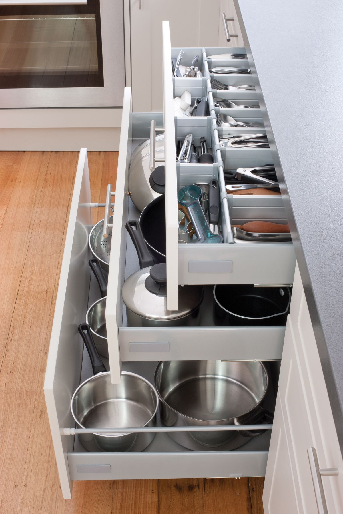 Additional-drawers-are-now-in-demand-kitchen-cabinet-styles-and-layouts