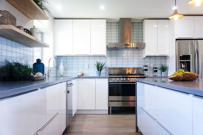 high-gloss-white-european-flat-panel-rta-kitchen-cabinets-2
