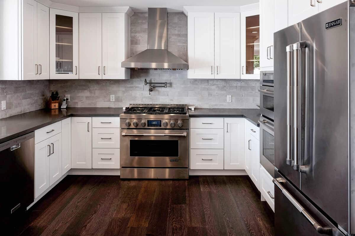 DIY Kitchens with White Shaker Cabinets   Best Online Cabinets