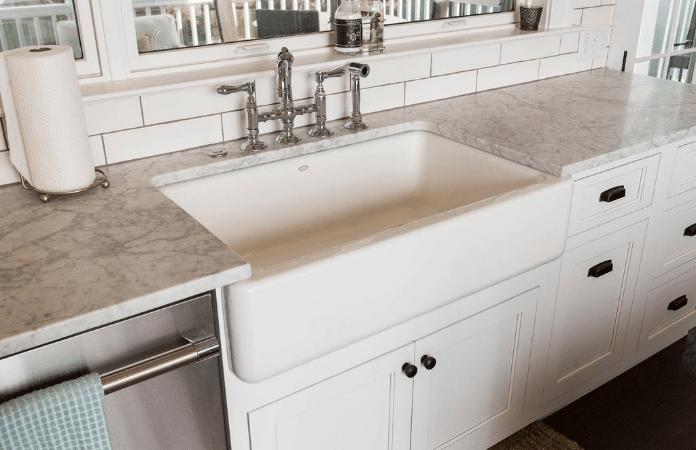 Farmhouse Kitchen With Apron Sink